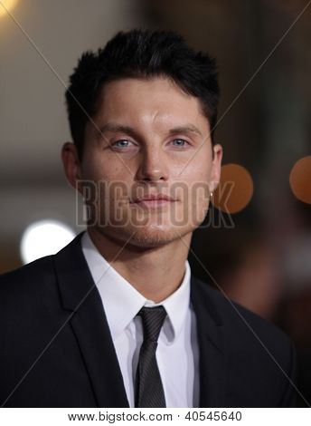 LOS ANGELES - OCT 20:  Tobey Hemingway arriving to