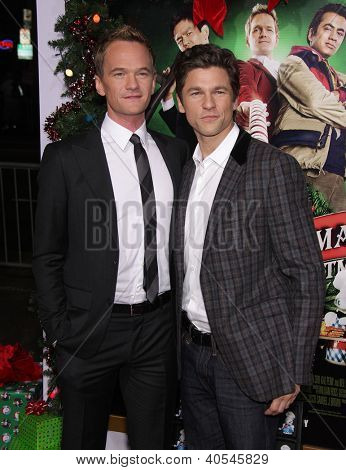 LOS ANGELES - 02 de NOV: Neil Patrick Harris & David Burtka, chegando a