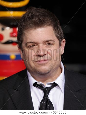 LOS ANGELES - NOV 02:  PATTON OSWALT arriving to