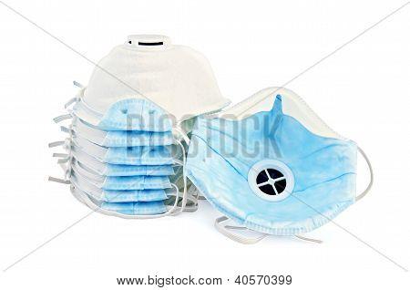 Respirators disposable