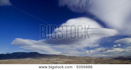 Saucer Shaped Lenticular Cloud