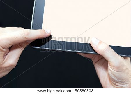 Finger Swiping Tablet, Close