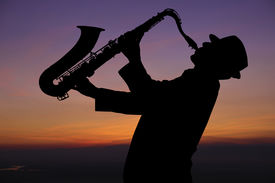 picture of saxophone player  - Saxophonist - JPG
