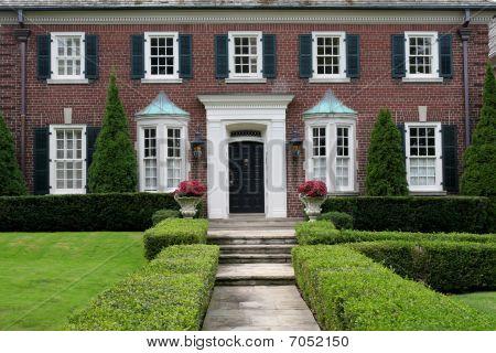 Entrance to elegant house