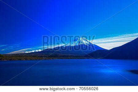 Mount Fuji and Lake Motosuko in winter, Japan