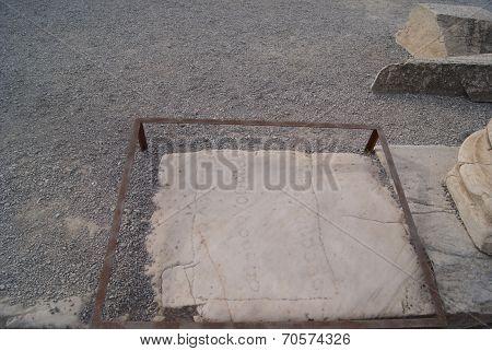 The Floor Pate