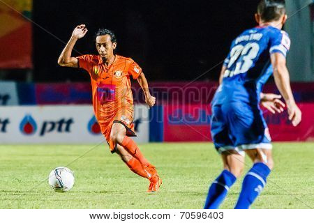 Sisaket Thailand-august 13: Somsak Wongyai Of Sisaket Fc. (orange) In Action During Thai Premier Lea