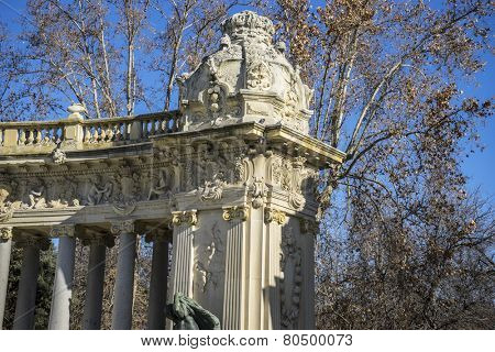 Lake in Retiro park, Madrid Spain