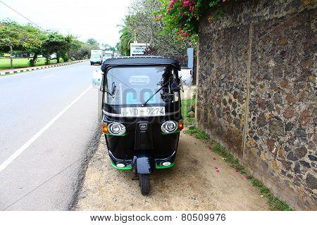 tuk-tuk is near the hotel, Sri Lanka