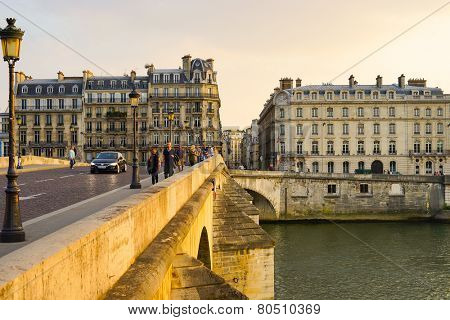 PARIS - SEP 07: Seine river on September 07, 2014 in Paris, France. Paris, aka City of Love, is a popular travel destination and a major city in Europe