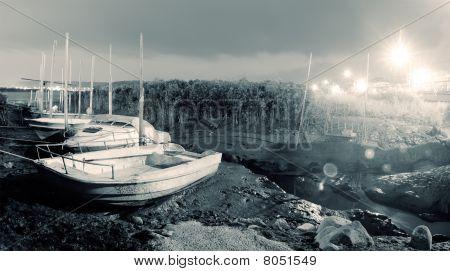 Stadt Landschaft der Discard-Boote