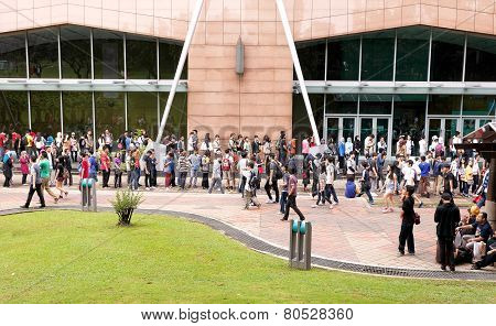Fans Waiting For Opening The 2014 Comic Fiesta.