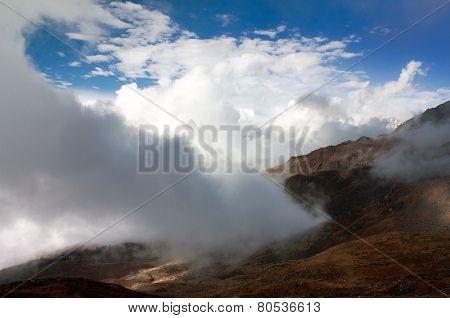 Beautiful Cloud On Mountains