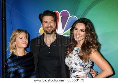 LOS ANGELES - DEC 16:  Elisha Cuthbert, Nick Zano, Kelly Brook at the NBCUniversal TCA Press Tour at the Huntington Langham Hotel on December 16, 2015 in Pasadena, CA