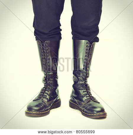 Pair Of Knee-high 20 Eyelet Black Lace-up Boots - Vintage Processes