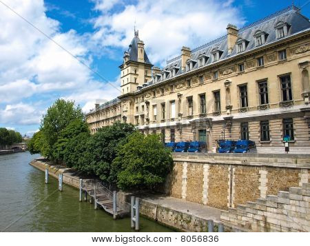 Paris - Judicial Police