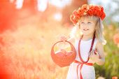 picture of red-necked  - Little girl  - JPG