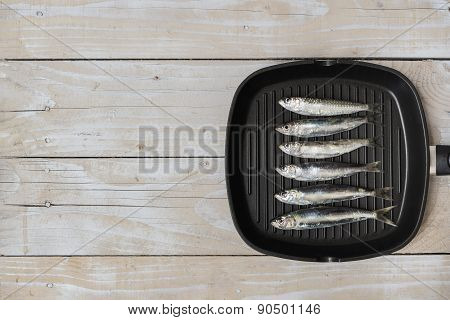 Grill pan with fish