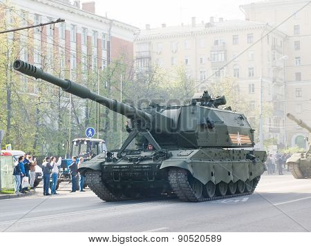 Tank in the May 9 Victory Day in Moscow streets