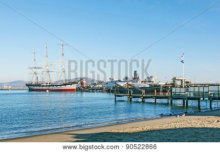 Vintage 1886 sailing ship Balclutha and 1914 paddle wheel tug boat Eppleton Hall on public display a