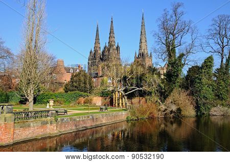 Lichfield Cathedral and Minster Pool.