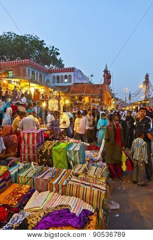 People At The Meena Bazaar Market  In Delhi, India.
