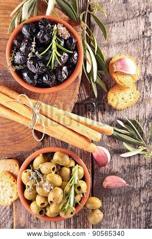 appetizer, olive and breadstick