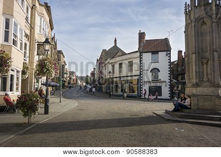Glastonbury Market Place And High Street