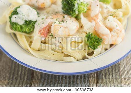 Fettuccine Alfredo Shrimp