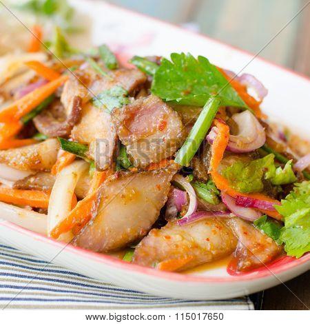 charcoal-boiled pork neck,Grill pork salad