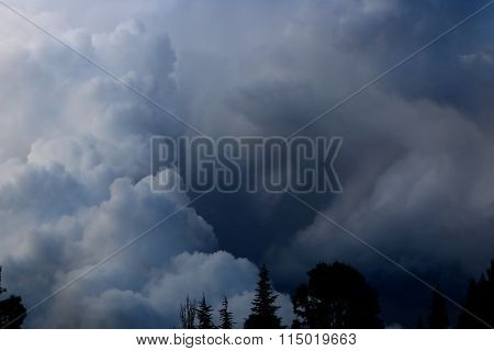 Storm louds