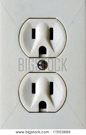 Primer plano de enchufes eléctricos