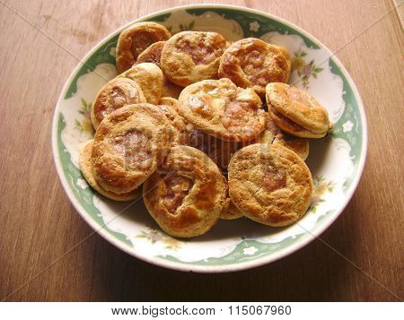 Chinese meat pie baked pork cake
