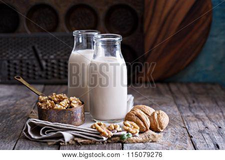 Walnut nut vegan milk