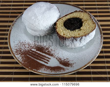 Doughnuts With Poppy Seeds Filling