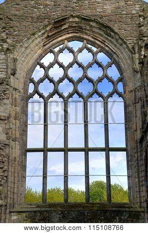 EDINBURGH - MAY 28: Abbey ruins at the Palace of Holyrood house May 28, 2009 in Edinburgh, Scotland.