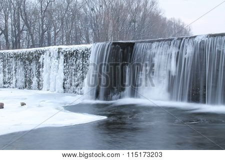 weir in winter