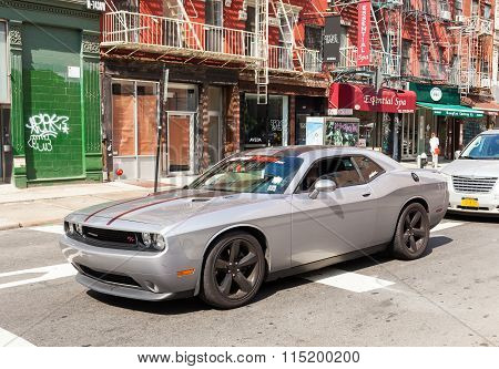 Silver Dodge Challenger Rt 2014 In Manhattan.