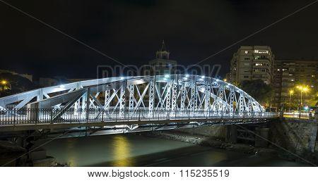 Puente Nuevo O Puente De Hierro