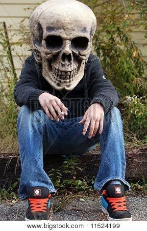 skull head smoking