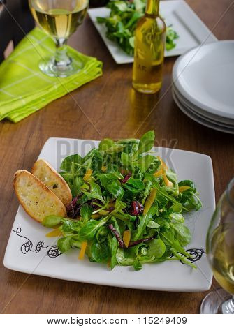 Salad With Arugula And Peppers
