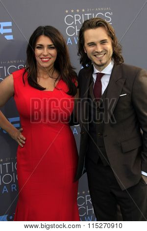 LOS ANGELES - JAN 17:  Lisa Vultaggio, Jonathan Jackson at the 21st Annual Critics Choice Awards at the Barker Hanger on January 17, 2016 in Santa Monica, CA