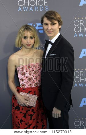 LOS ANGELES - JAN 17:  Zoe Kazan, Paul Dano at the 21st Annual Critics Choice Awards at the Barker Hanger on January 17, 2016 in Santa Monica, CA