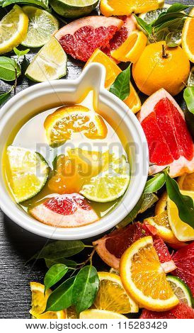 The Citrus Juice From Citrus Fruit - Grapefruit, Orange, Tangerine, Lemon, Lime .