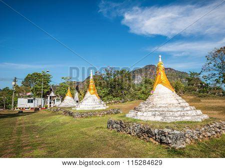 Dan-chedi Di-sam-ong, Three Pagodas  In Kanchanaburi, Thailand