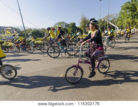 Hilld Tribe Lady At Bike For Dad