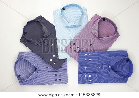 Set classic men's shirts