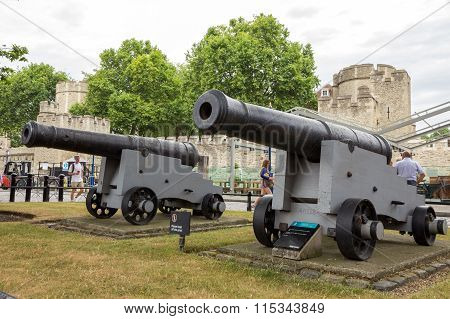 Tower Of London Canons