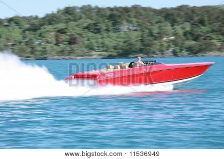 speedy yacht