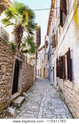 Narrow Old Street And Stone Buildings-bale,croatia